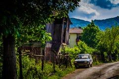 Häuschen auf türkischem Dorf Stockfoto