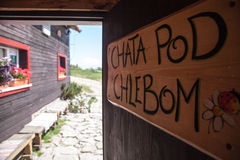 Häuschen - Chata-Hülse Chlebom - Slowakei lizenzfreie stockbilder