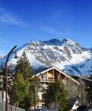 Häuschen in den Alpen Stockbild