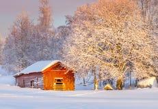Häuschen im Schnee Stockfotografie