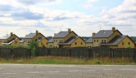 Häuschendorf in Russland Stockfotos