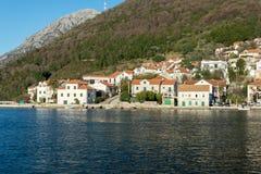 Häuser auf dem adriatisches Seestrand Stockfoto