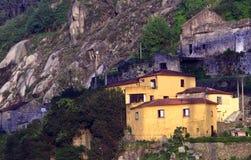 Häuser auf der Steigung stockbild