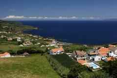 Häuser auf Küste Lizenzfreie Stockbilder