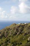 Häuser auf Klippe Saba holländische niederländische Antillen lizenzfreie stockfotos