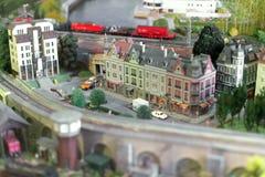 Häuser, Autos und Bäume Stockfoto