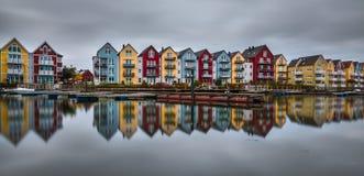 Häuser in dem Fluss Ryck in Greifswald lizenzfreie stockbilder