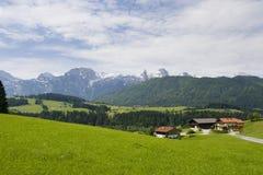 Häuser in den Bergen Stockbild