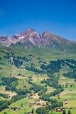Häuser in den Bergen, die Schweiz Stockbilder
