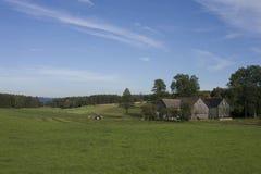 Häuser in der bayerischen Landschaft Lizenzfreie Stockfotos