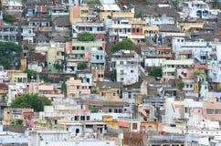Häuser in der indischen Stadt Vijayawada Stockfotos