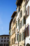 Häuser in der italienischen Stadt stockbild