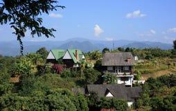 Häuser in der Natur Lizenzfreie Stockfotos