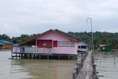 Häuser an der Seeseite Lizenzfreie Stockfotos