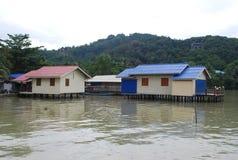 Häuser an der Seeseite Stockbild