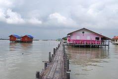 Häuser an der Seeseite Stockbilder