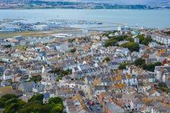 Häuser durch das Meer Lizenzfreie Stockbilder