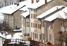 Häuser in einem kleinen Dorf im Berg Lizenzfreies Stockfoto
