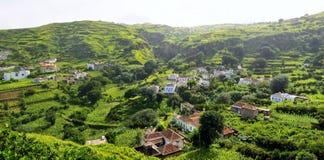 Häuser in einem Tal Stockbilder