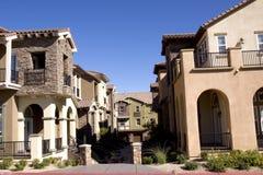 Häuser in einer Nachbarschaft Stockbild