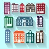 12 Häuser eingestellt von den bunten alten Stadthäusern Stockfoto