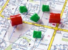 Häuser entlang der Straße Lizenzfreie Stockfotografie