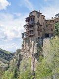 Häuser hingen in Cuenca, Spanien Stockfotos