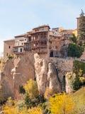 Häuser hingen in Cuenca, Spanien Lizenzfreie Stockfotos