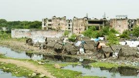 Häuser im schlechten Teil von Indien Stockbild