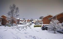 Häuser im Schnee in Vereinigtem Königreich Lizenzfreie Stockfotos