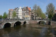 Häuser am Kanal Prinsengracht in Amsterdam Stockbild