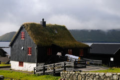 Häuser in Kirkjubour Lizenzfreies Stockfoto