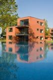 Häuser mit Pool Stockbild