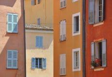 Häuser in Süd-Frankreich lizenzfreies stockbild