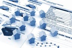 Häuser und Diagramme Stockfotografie