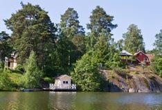 Häuser und Umgebung in Schweden. Stockbilder