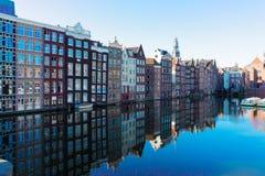 Häuser von Amsterdam, die Niederlande stockbilder