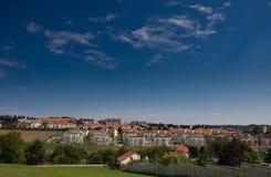 Häuser, Wohnsitzgebäude in der Landschaft Stockfotos