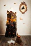 Häxaskyltdocka som kläs för höst Royaltyfria Bilder