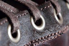 hål för detalj snör åt skon Arkivbild
