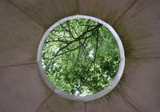 Hål i pagodtak arkivfoto