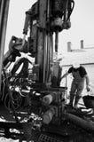 hålande industriell maskin royaltyfria bilder