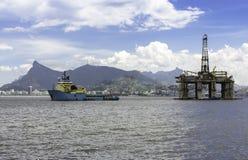 Hålande rigg för olja Arkivfoto