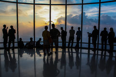 Håll ögonen på solnedgången på Burj Khalifa Arkivbilder