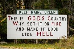 Håll Maine Green Sign Royaltyfri Fotografi