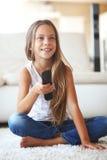 hålla ögonen på för barntv Royaltyfri Fotografi