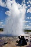 hålla ögonen på för geyser Royaltyfria Foton