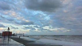 Hålla ögonen på stormen på den Black Sea kusten Fotografering för Bildbyråer