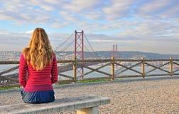 Hållande ögonen på stora Lissabon, Portugal Royaltyfri Bild