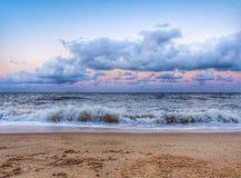 hållande ögonen på waves Royaltyfria Foton